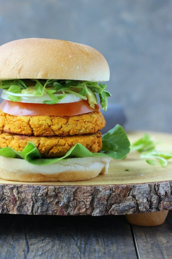 The tastiest veggie burger you will ever eat! Flavored with spices, hot sauce and earthy ingredients to make you insanely satisfied! gardeninthekitchen.com