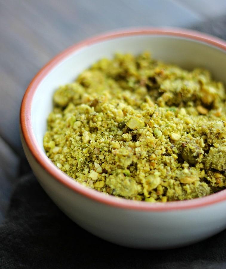 pistachio-crostini-gardeninthekitchen.com