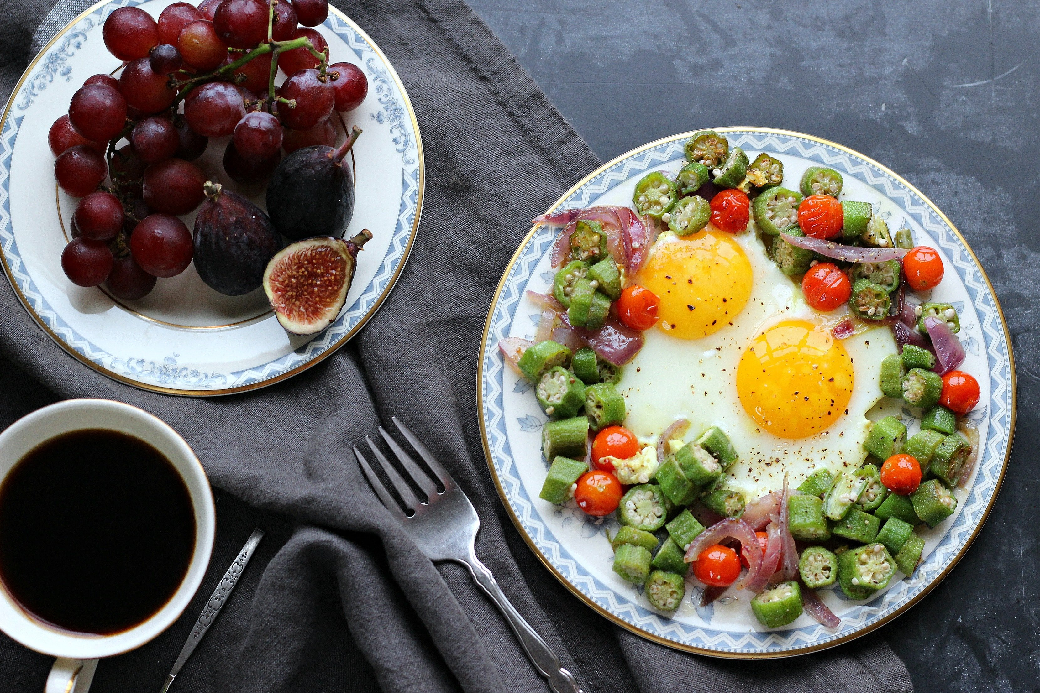 Farmer's Market 2 Egg Breakfast; tasty, low calorie and healthy, countryside inspired breakfast | gardeninthekitchen.com