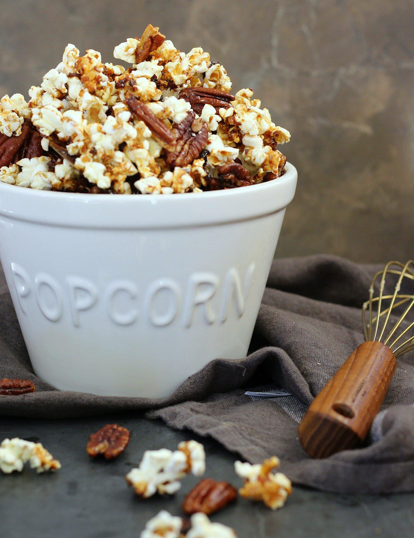 Deliciously Sweet and Salty Caramel Pecan Popcorn | gardeninthekitchen.com