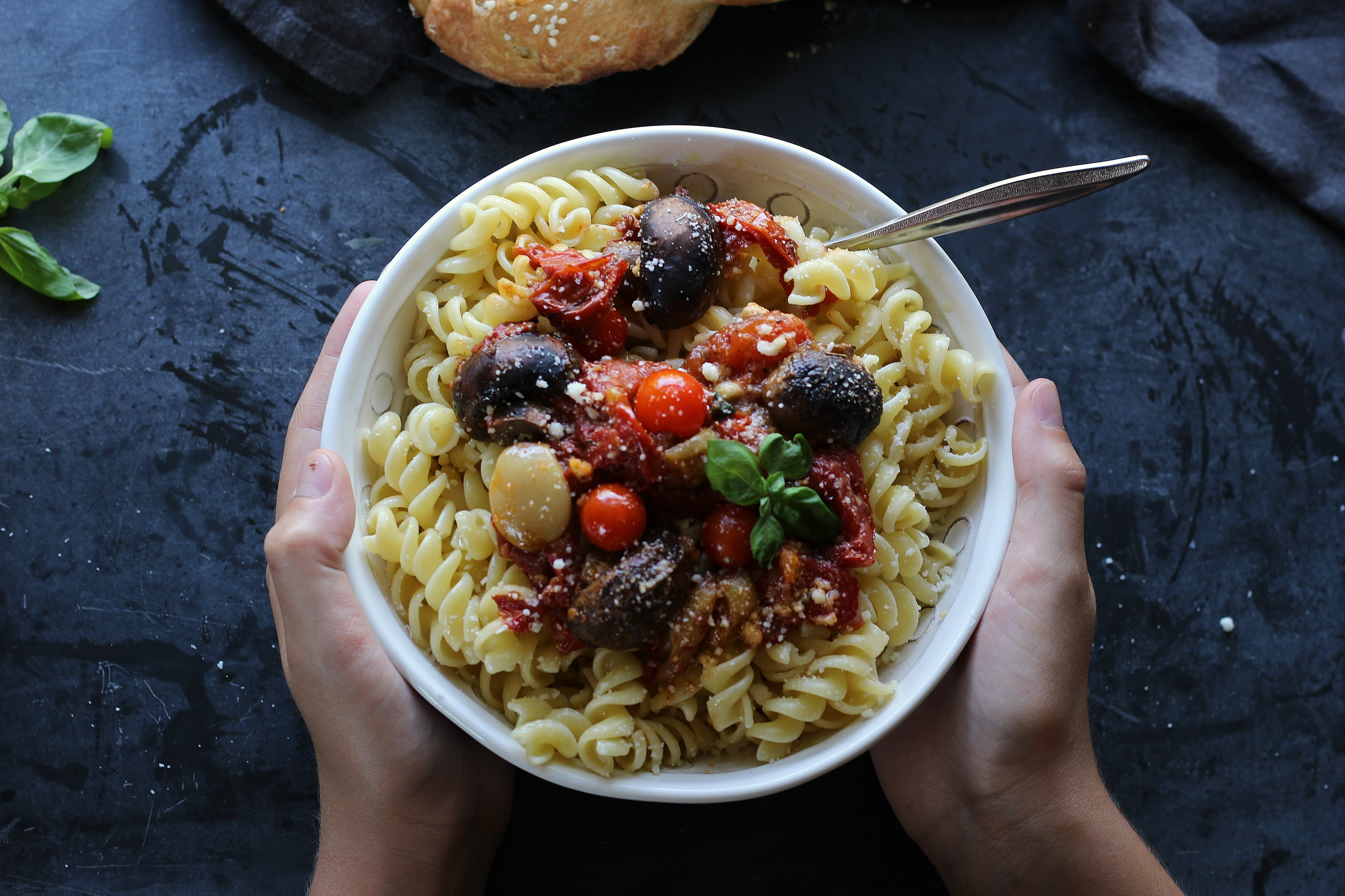 Add a whole lot of flavor to simple dishes with this easy #Paleo and #Glutenfree Roasted Tomato & Mushroom Garlicky Chunky Sauce   gardeninthekitchen.com