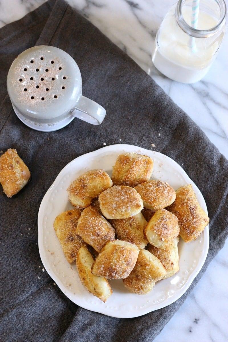 Soft Cinnamon Pretzel Bites | gardeninthekitchen.com