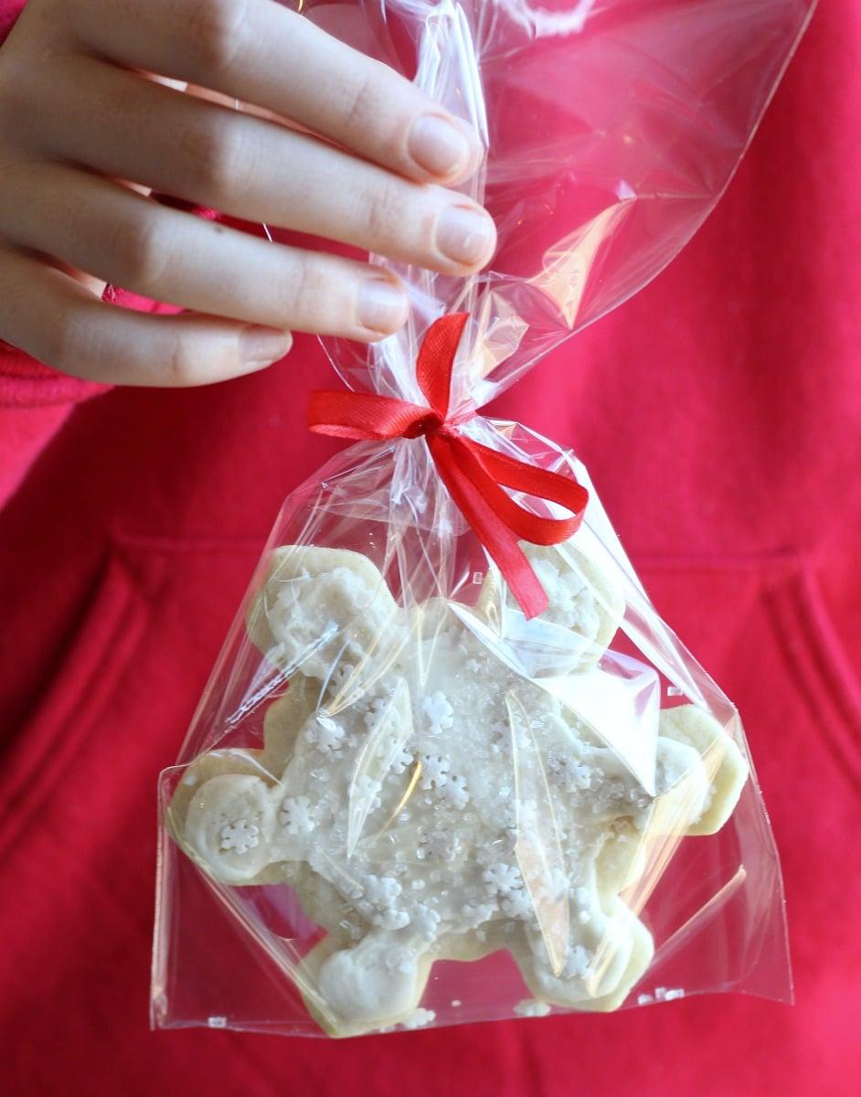 Snowflake Sugar Cookies (Gluten-Free) | gardeninthekitchen.com