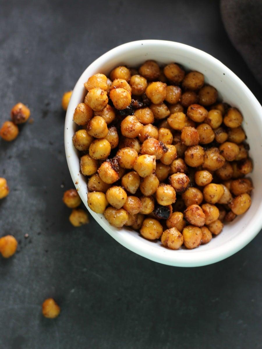 Spicy Roasted Chickpeas   gardeninthekitchen.com