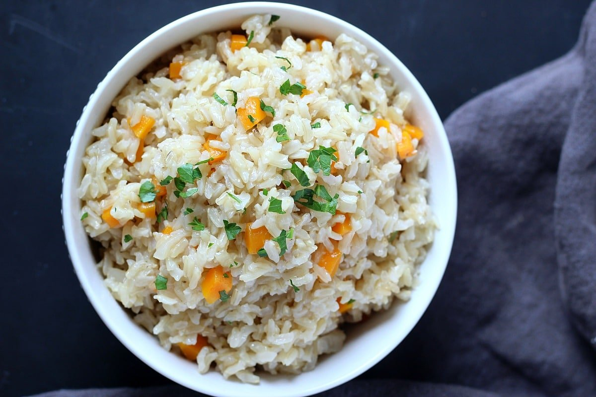 Garlicky Carrot Brown Rice