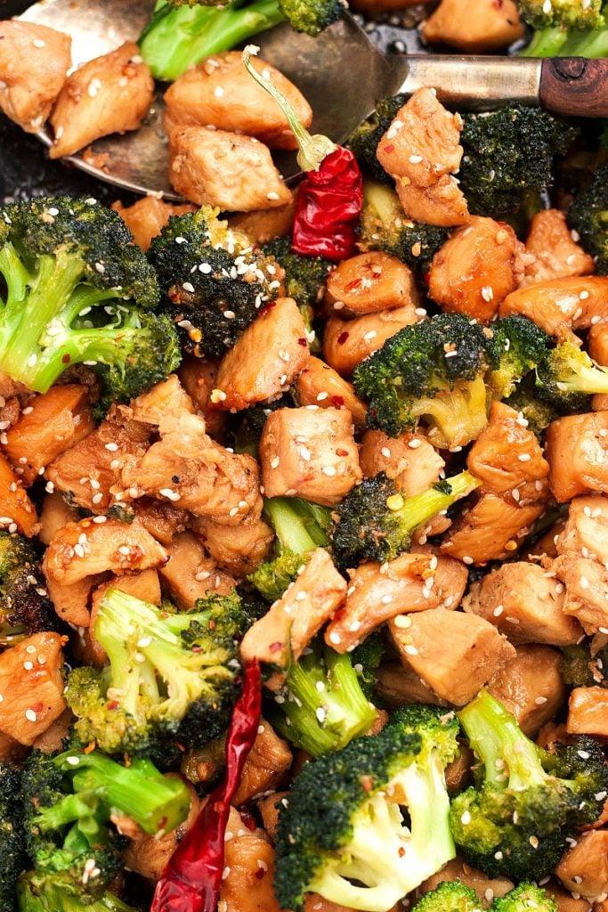 chicken broccoli stir fry with sesame seeds